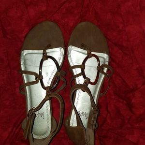IMPO Gladiator sandals tan w/ gold accents size 9